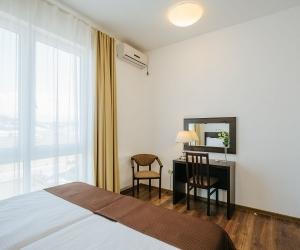 5-местный 4-комнатный апартамент с кухней с 3-мя спальнями