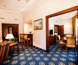 Апартаменты «Иван Айвазовский» 2-местные 3-комнатные